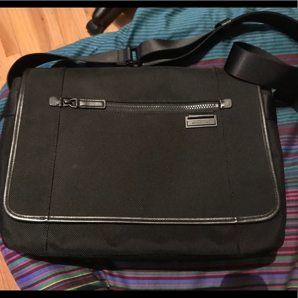 e7f24d1f2022 Michael Kors Messenger bag. NWT